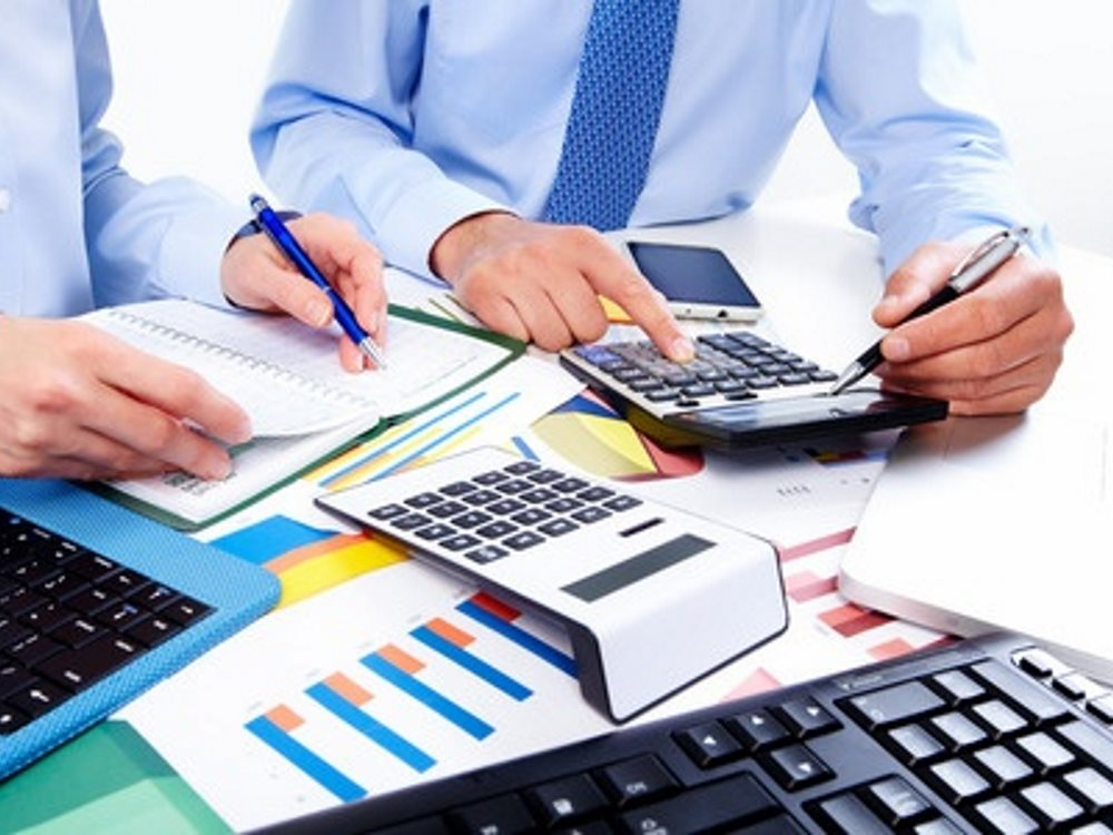 The Differences Between A Bookkeeper and Accountant